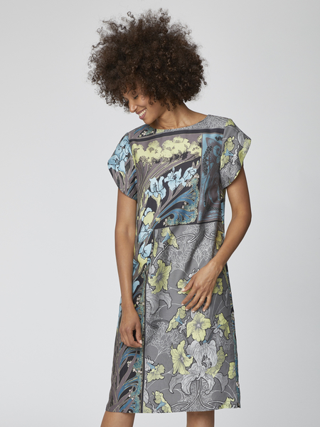 Lily Nouveau Floral Shift Dress in graphite and green